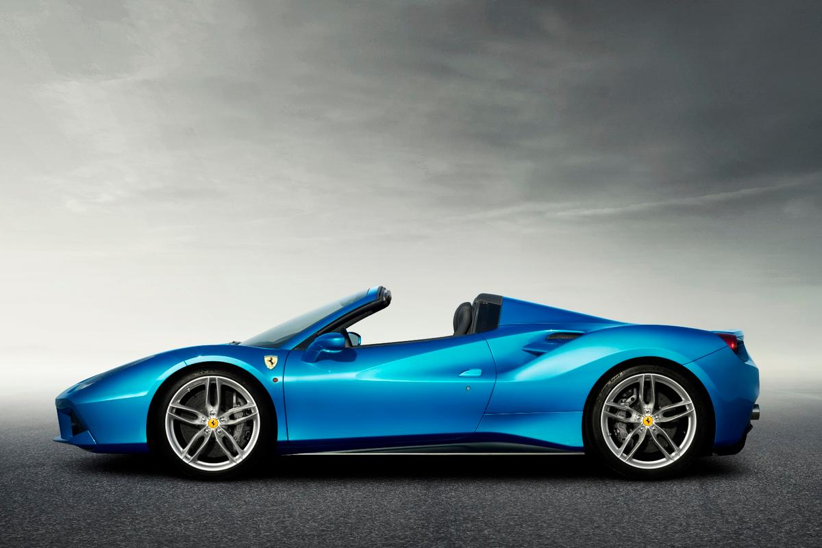 The 488 Spider dressed in Blu Corsa