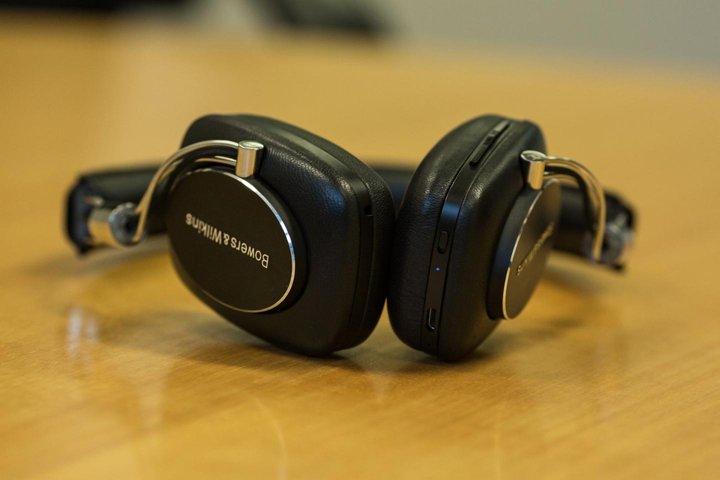 We've tested the P5 Wireless headphones with both aptX-supported phones and non-supported devices and noticed no discernible difference in sound quality, both are excellent