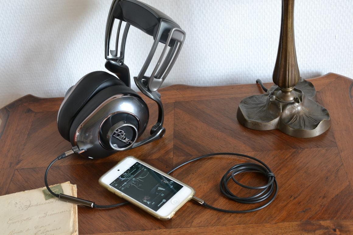Blue's Mo-Fi headphones (Photo: Paul Ridden/Gizmag)