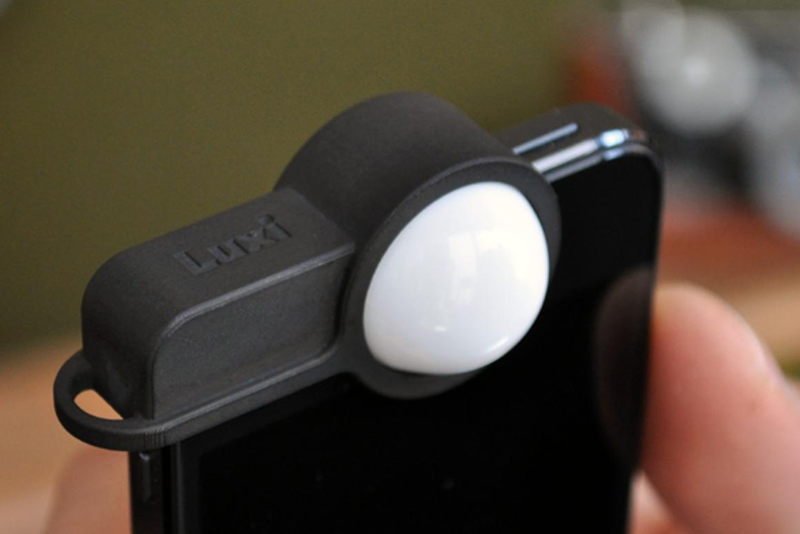 The Luxi incident light meter on an iPhone
