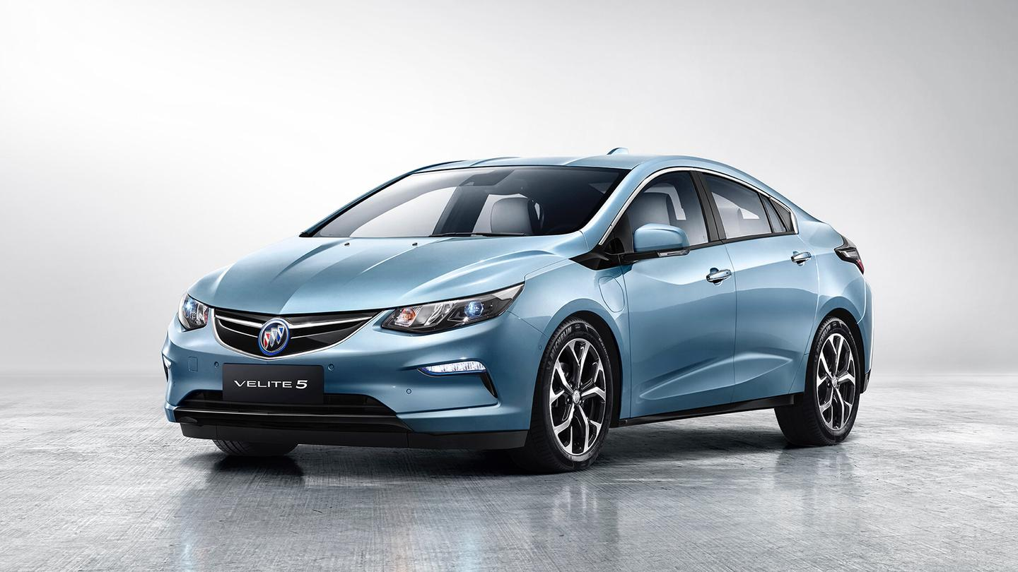 Buick says that the Velite 5's Chinese market expectations are a 477-mile (768-km) total range with up to 72 miles (116 km) of that being all-electric
