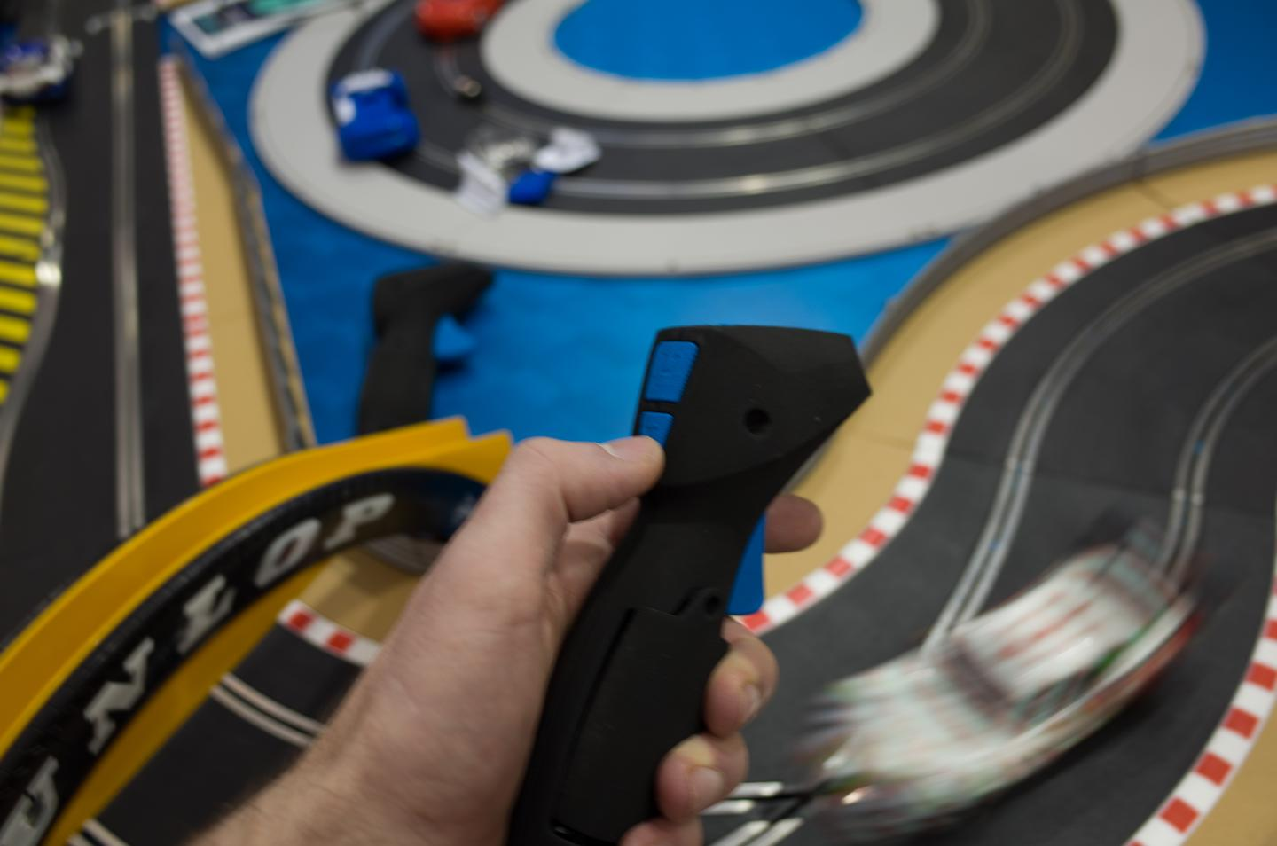 Scalextric RCS Air and Scalextric RCS Pro will come with new wireless hand throttles