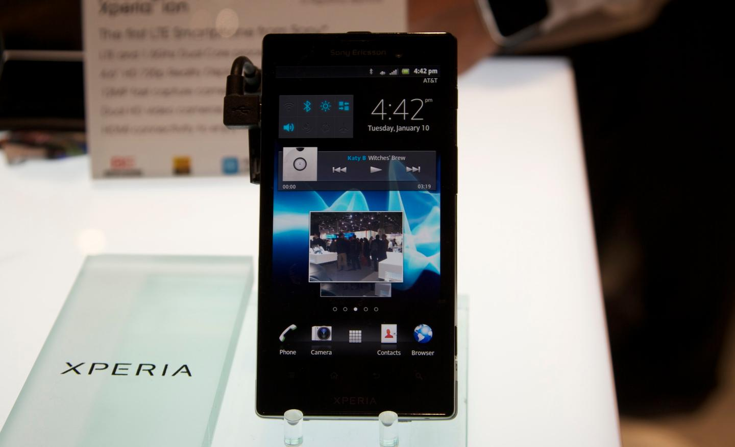 Sony's Xperia ion features a 4.6-inch 1280 x 720 HD display