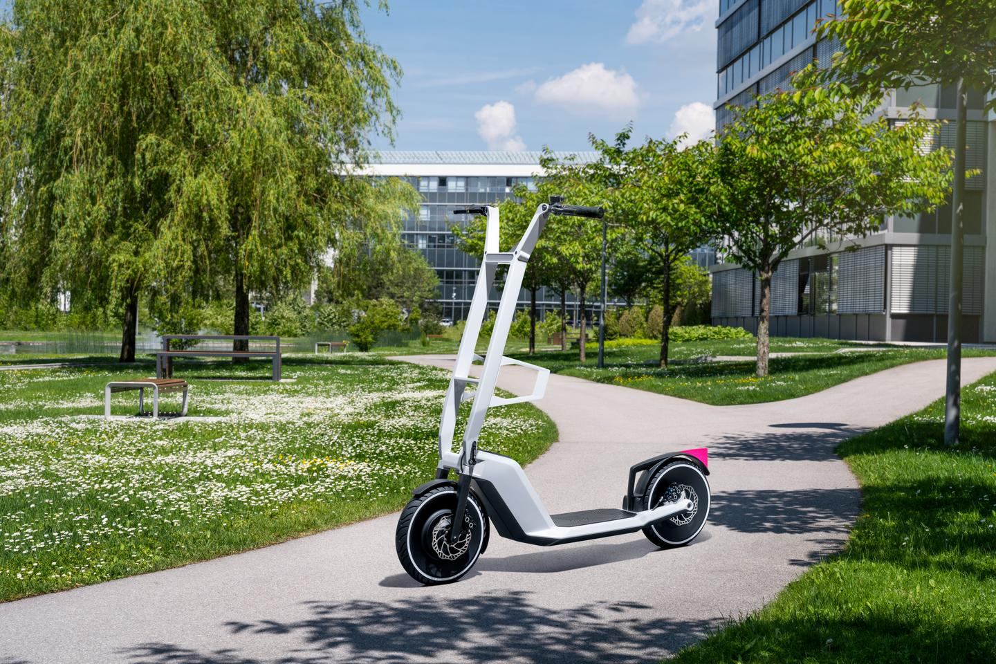 The Clever Commute electric kickscooter concept features a hub motor in the front wheel and a removable battery pack