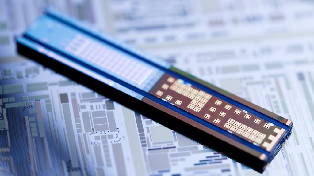 This silicon transmitter chip contains uses integrated Hybrid Silicon Lasers along with other silicon photonic devices to send up to 50Gb of data each second