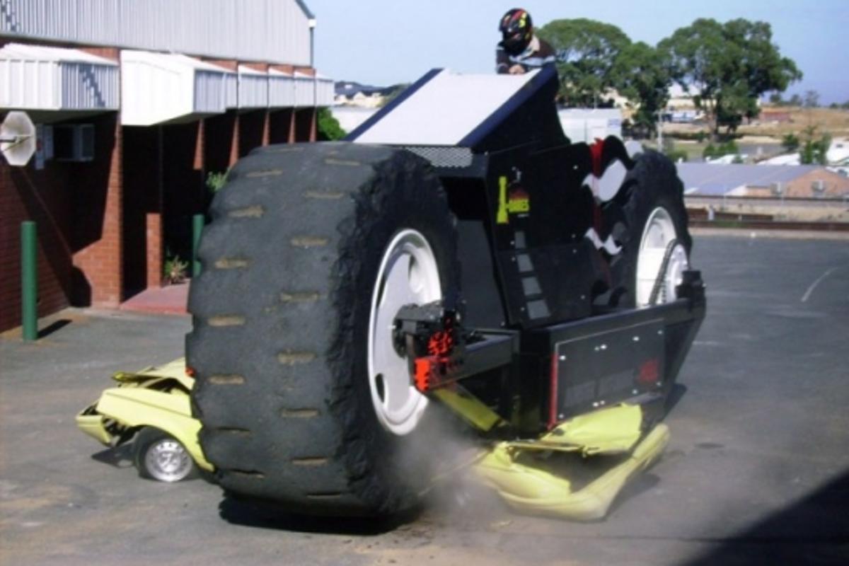 Car crushing Monster Motorbike