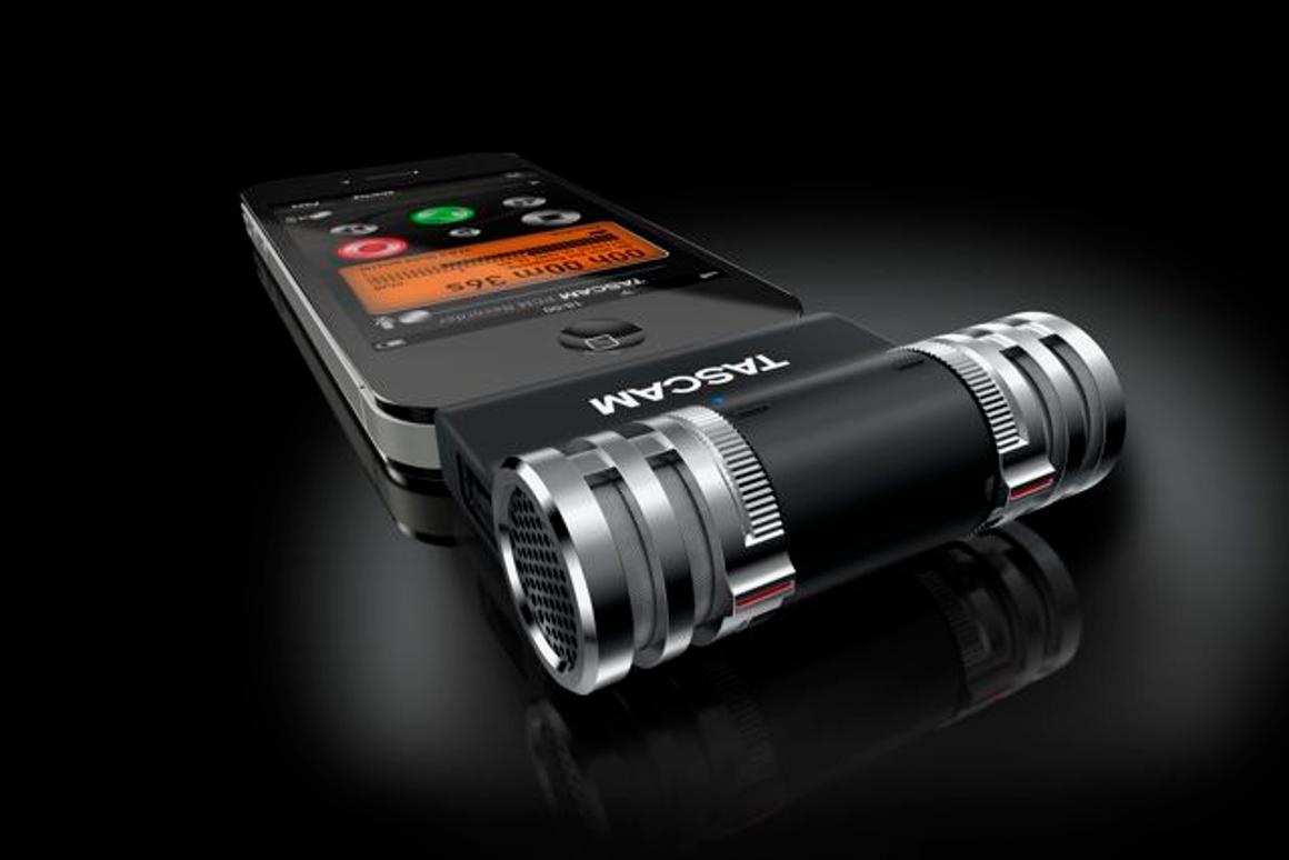 TASCAM has just released its new iM2 Stereo Microphone for iPad, iPhone and iPod touch