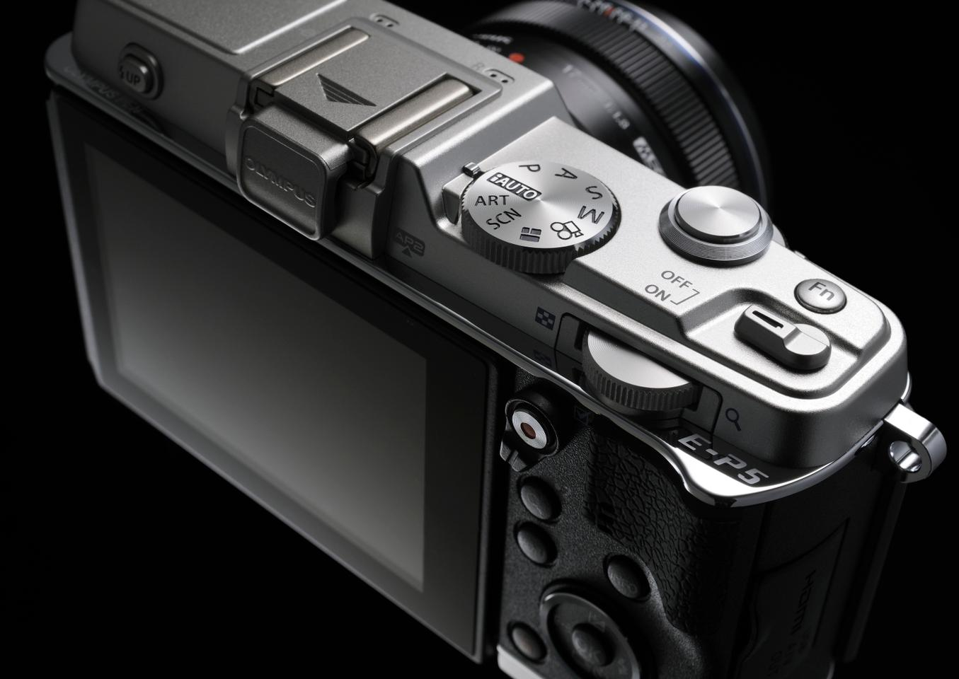 Enthusiasts will be pleased to see the Olympus PEN E-P5 features plenty of physical controls for access to manual settings