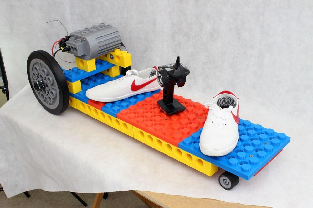 "It took around 600 hours to 3D print all the ""Lego"" components for this electric skateboard"