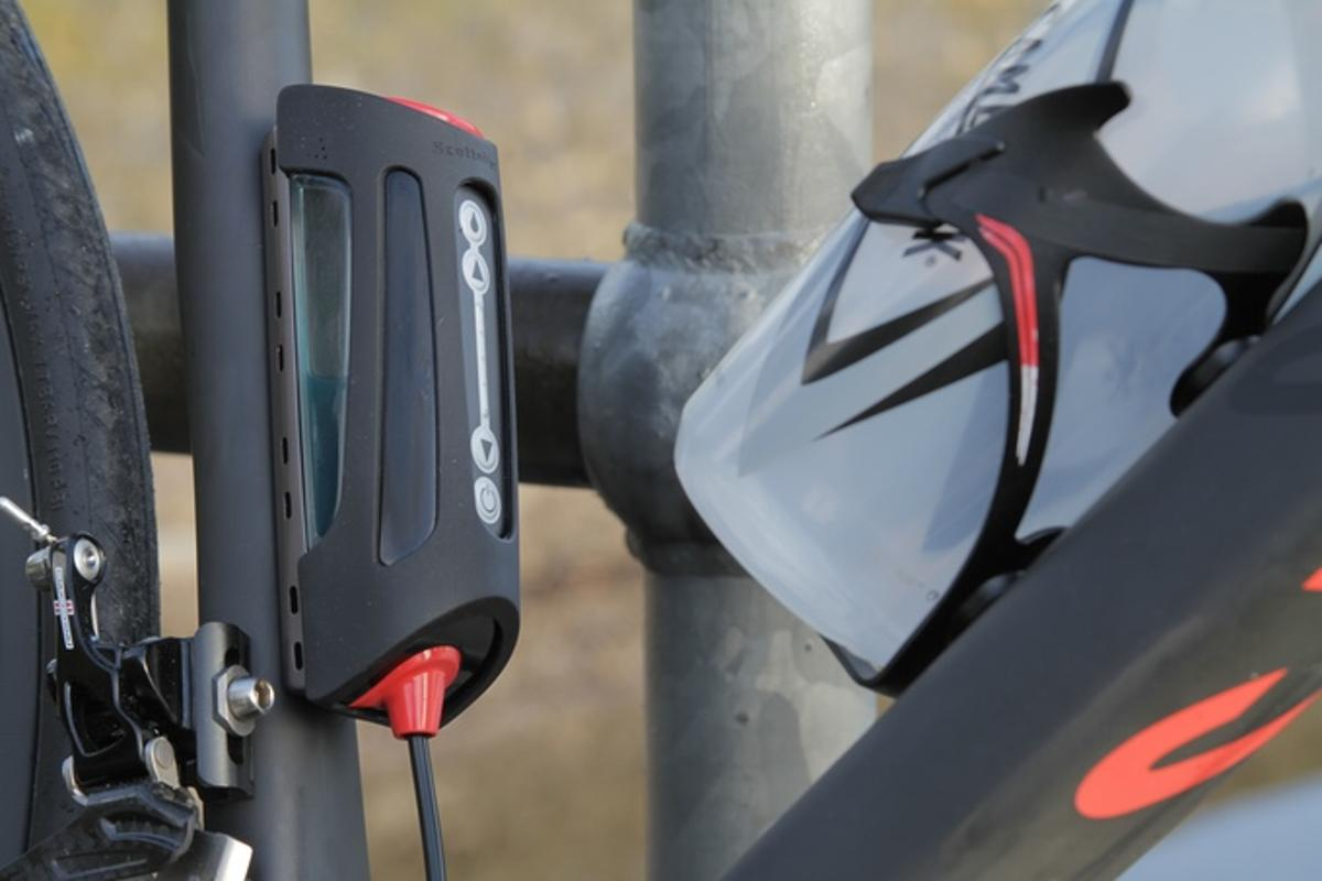 Scottoiler's Cycle S1 automatically lubes your chain as you pedal