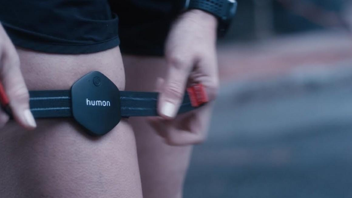 The Humon Hex can offer real-time muscle oxygenation levels allowing a person to adjust their exertion while training to reach optimum levels