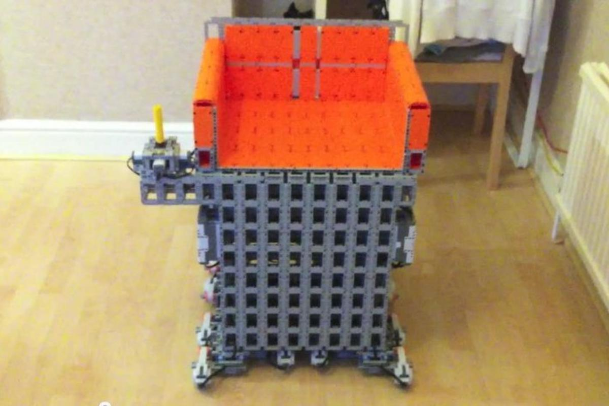 Simon Burfield has created a wheelchair from LEGO Technic and Mindstorms components and some Rotacaster robot wheels