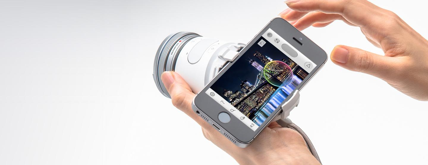 The Olympus Air A01 lets users take DSLR-like images and use interchangeable lenses with their smartphone
