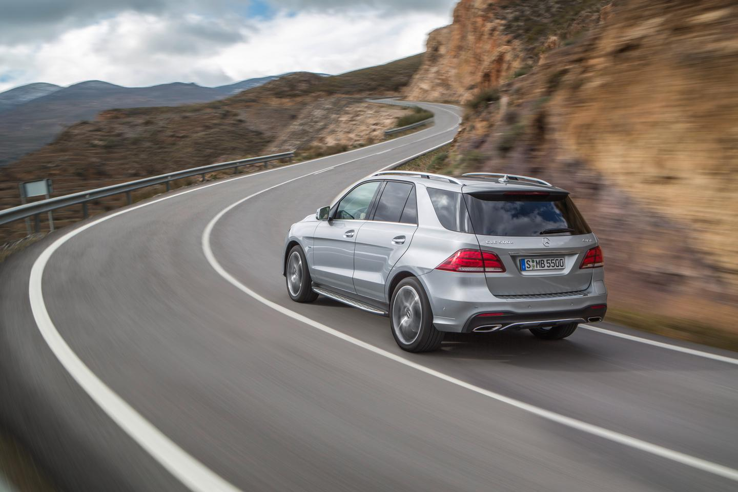 Although the styling remains much the same, the GLE is packing a range of new engines