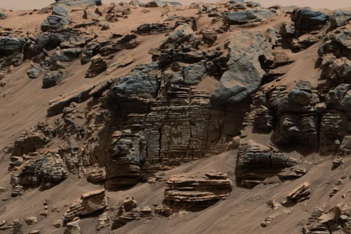 Mars might be cold and barren now, but a new study suggests that this was not the case in its early history and that an ancient lake had all the right conditions to support life