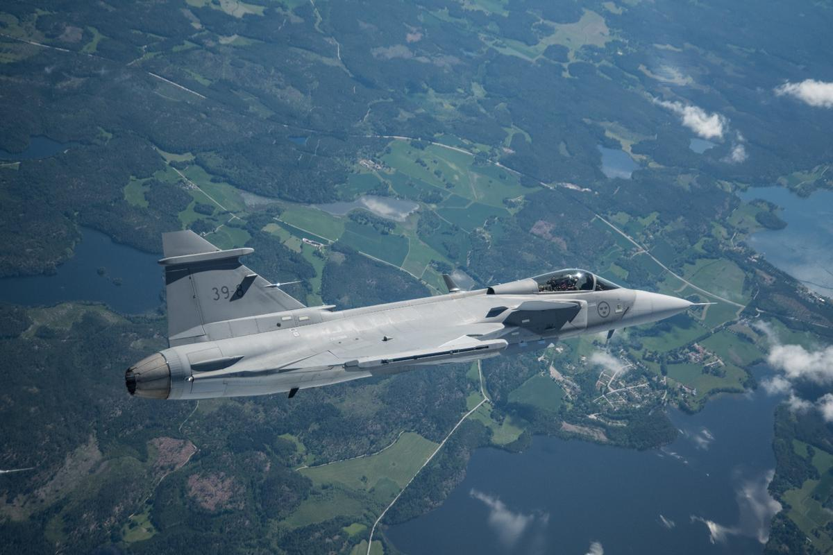 The Saab Gripen E flew for 40 minutes over Swedish airspace