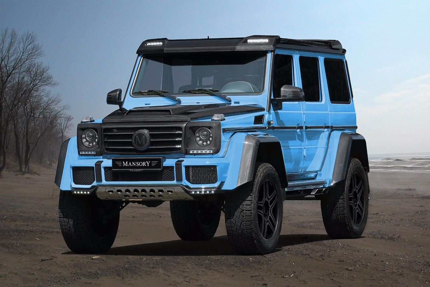 Mansory adds a lot of carbon around the sky blue G500