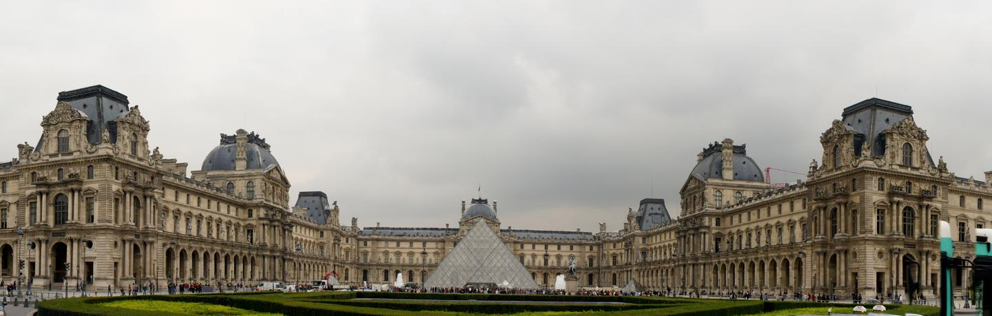 The Louvre in France is replacing its usual audio guides with the Nintendo 3DS (Photo: Noel McKeegan)