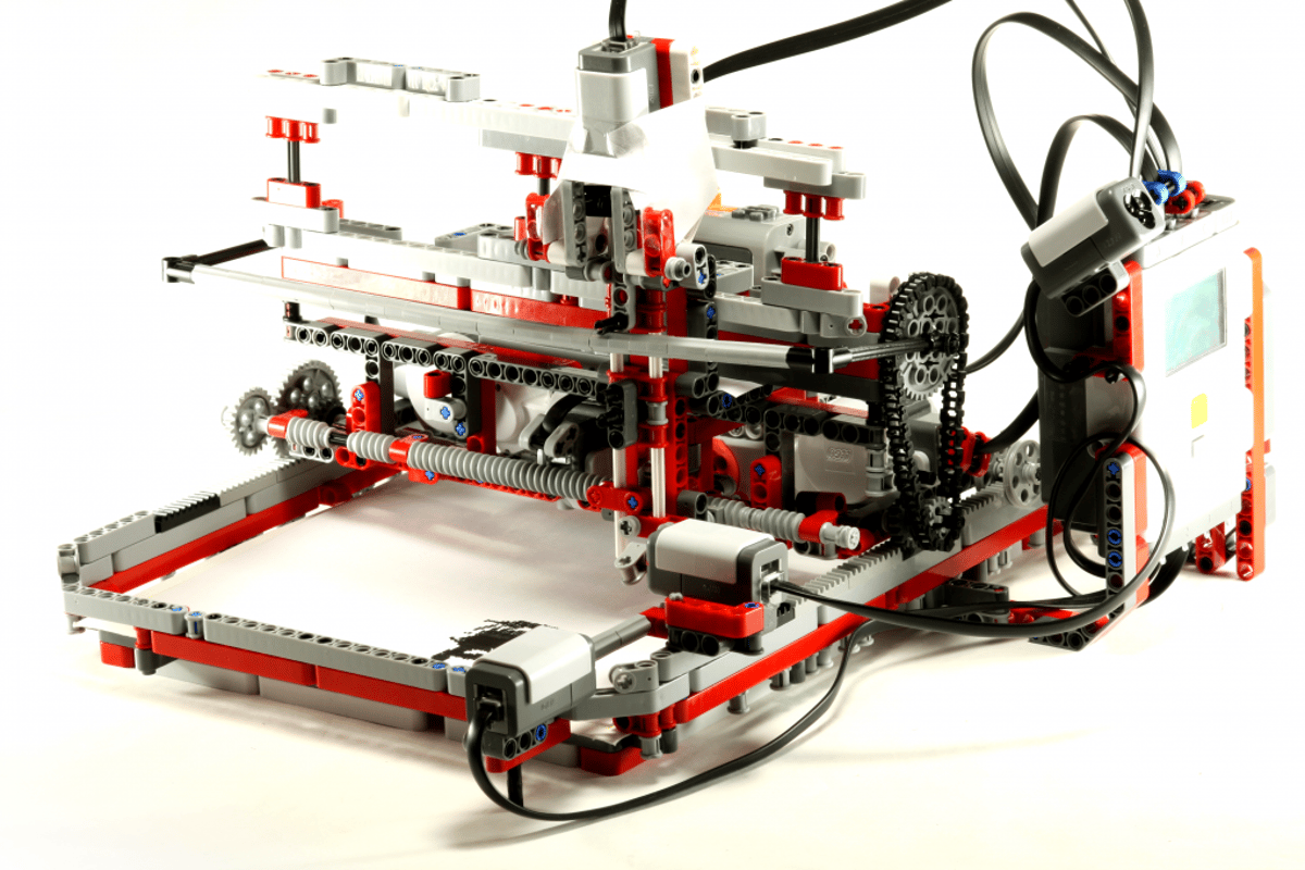 The PriNXT functioning printer made of Lego by 14-year old Lego Mindstorms wunderkind Leon Overweel