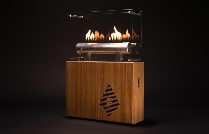 The 15 flames on top of the aluminum tube pulse to the beat