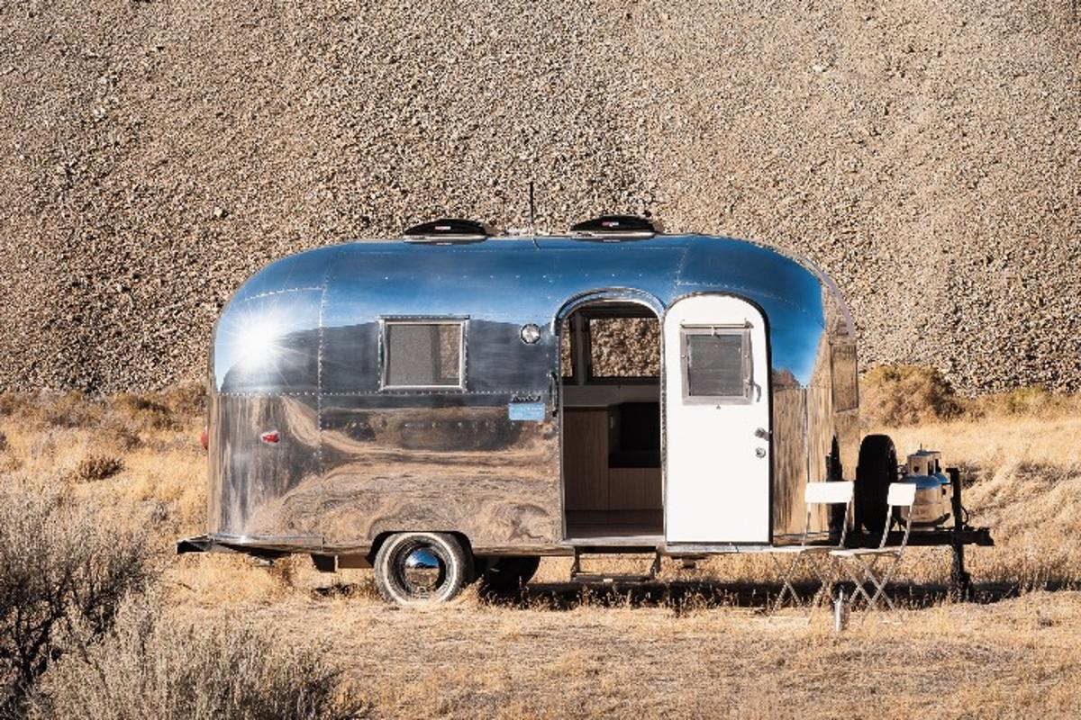 You may have a cool office but it probably isn't as cool as the Kugelschiff, which is based on an Airstream Bambi II, a rare one-year-only model produced in 1964