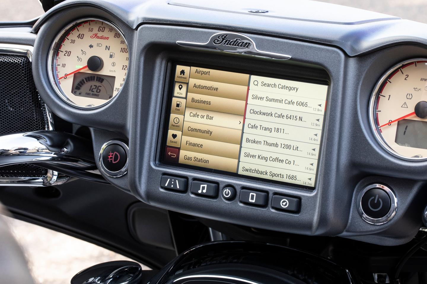 2019 Indian Roadmaster: giant touch screen