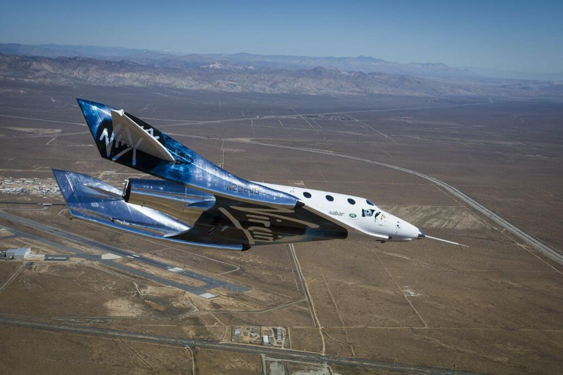 VSS Unity returning from its feather test flight