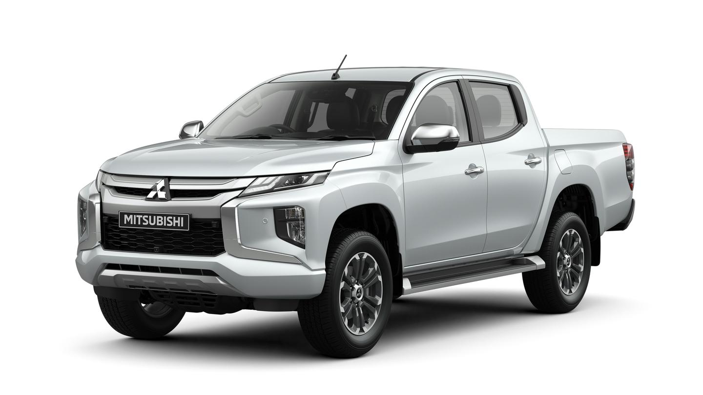 The Mitsubishi Triton/L200 will continue with the previous-generation's 2.4-liter gasoline (126 hp/96 kW) engine and turbodiesel engine (178 hp/133 kW) options