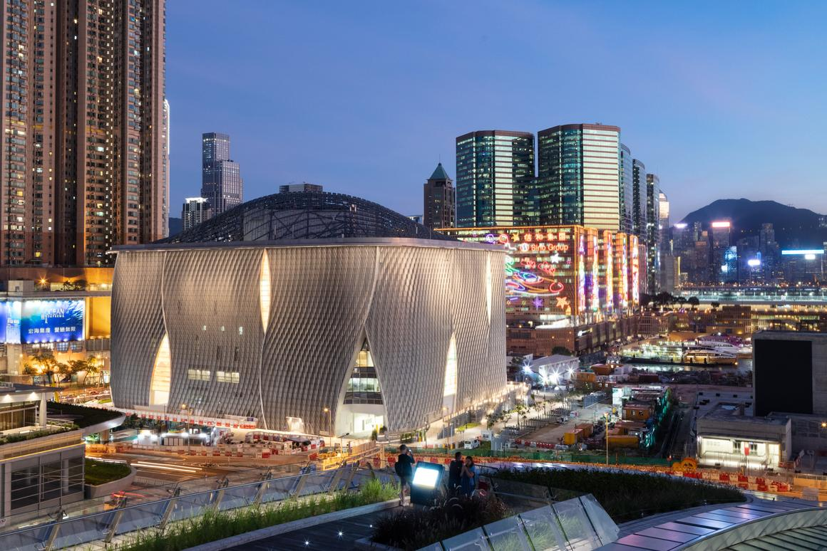 The Xiqu Centre's exteriorcomprises a modular system of scaled aluminumthat was CNC-cut from untreated marine-gradepiping