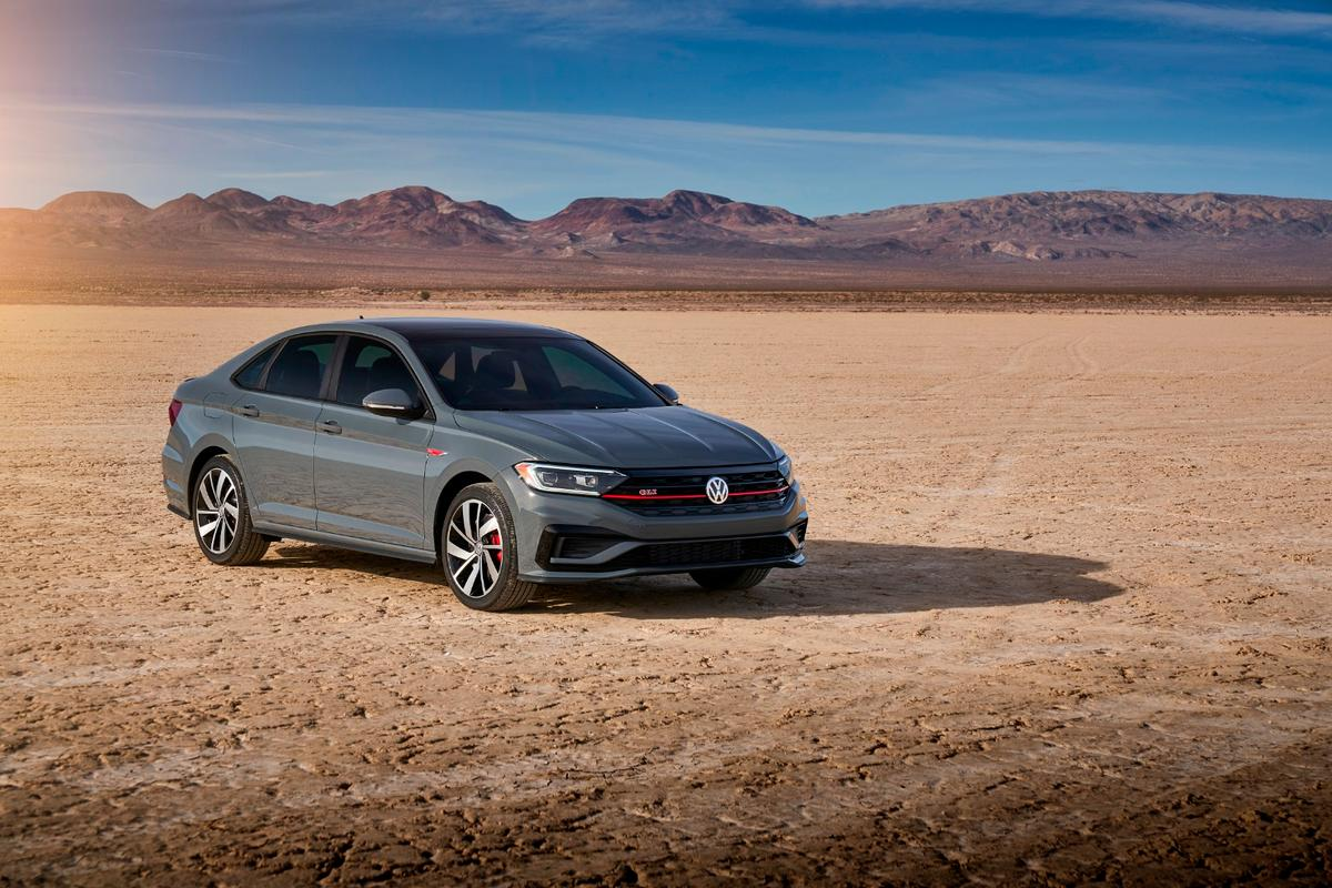 The new Jetta GLI builds on the new 2019 Volkswagen Jetta foundation by adding performance features from the Golf GTI and R models