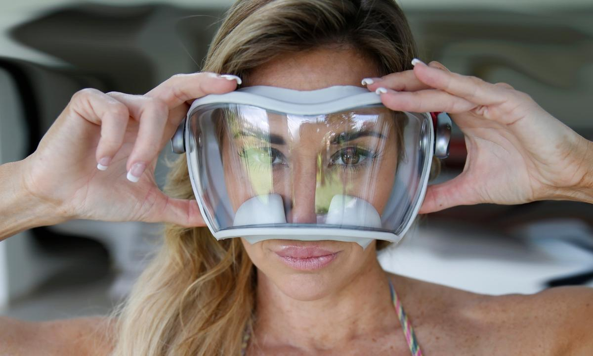 The AAK 180 dive mask is claimed to increase divers' peripheral vision