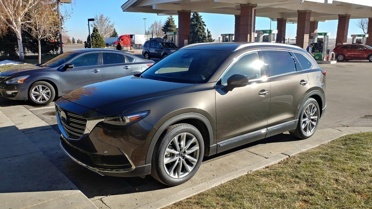 Few crossovers can claim the almost universally appealing exterior of the CX-9