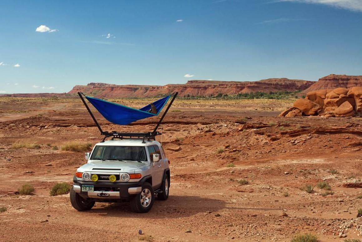 Trailnest Elevates Hammocks To The Car Roof Top