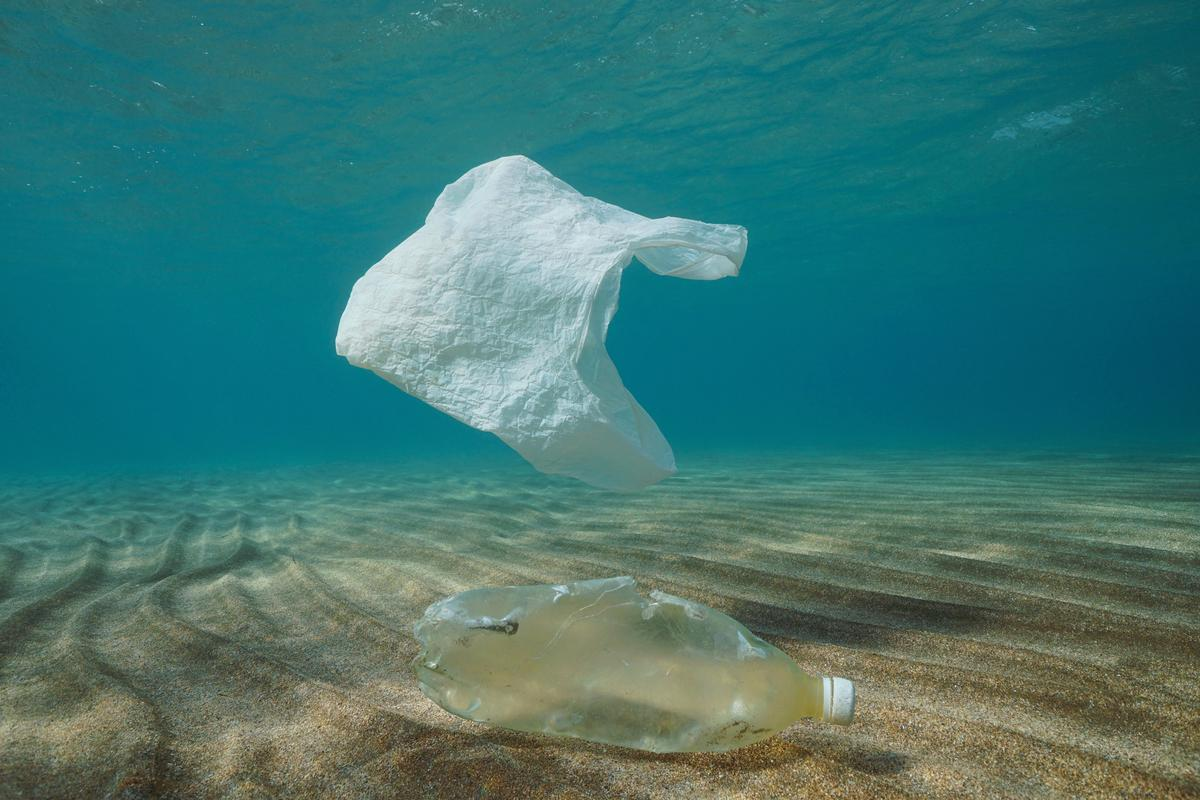 A new study has revealed how plastic waste can become trapped by deep-sea trenches