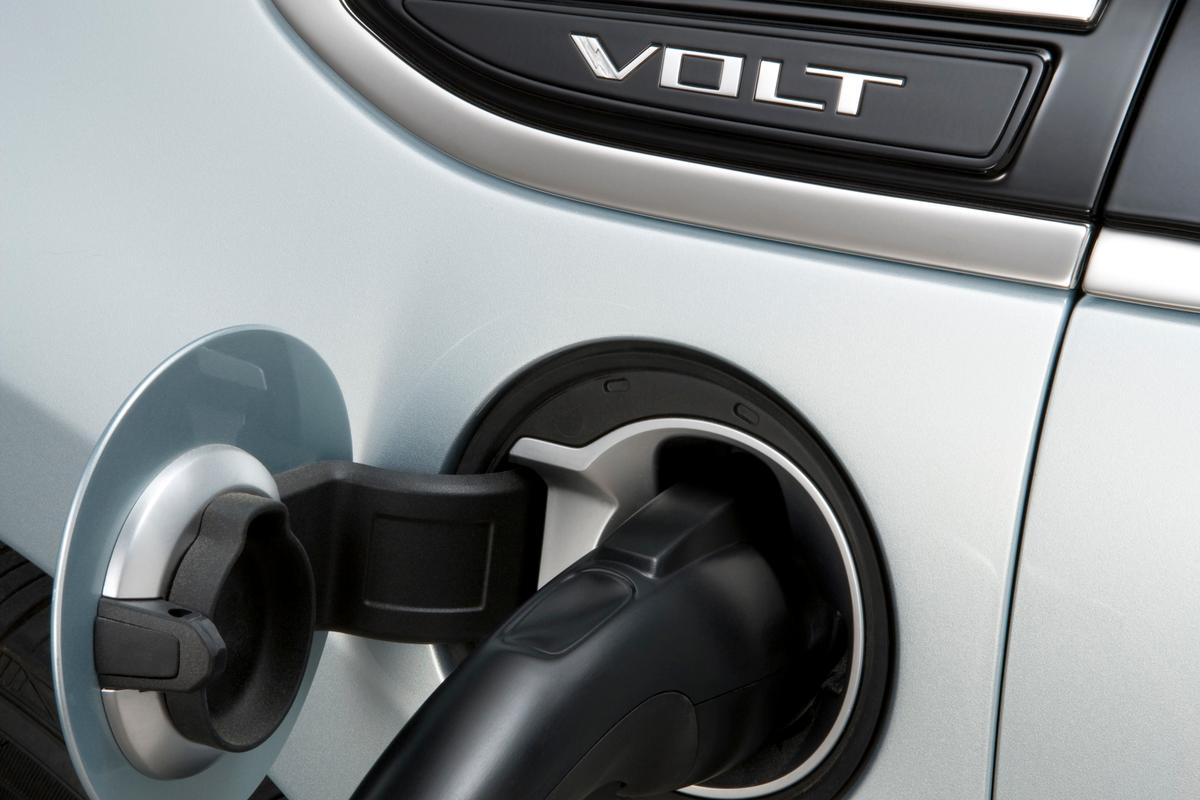 The 4,400 home charge stations are part of ECOtality's EV Project and Coulomb Technologies' ChargePoint America