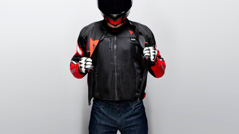 The DianeseThe Smart Jacket under leather