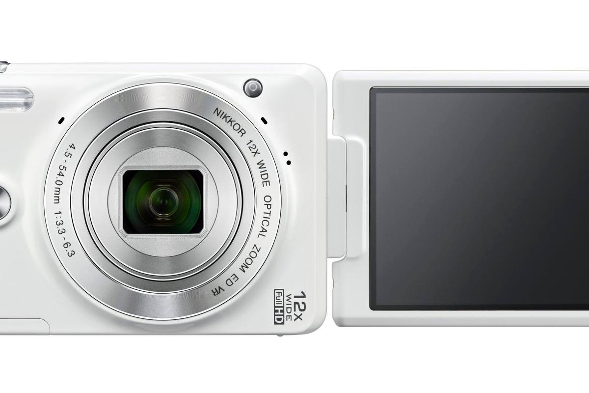 The Nikon Coolpix S6900 can help you take more flattering selfies
