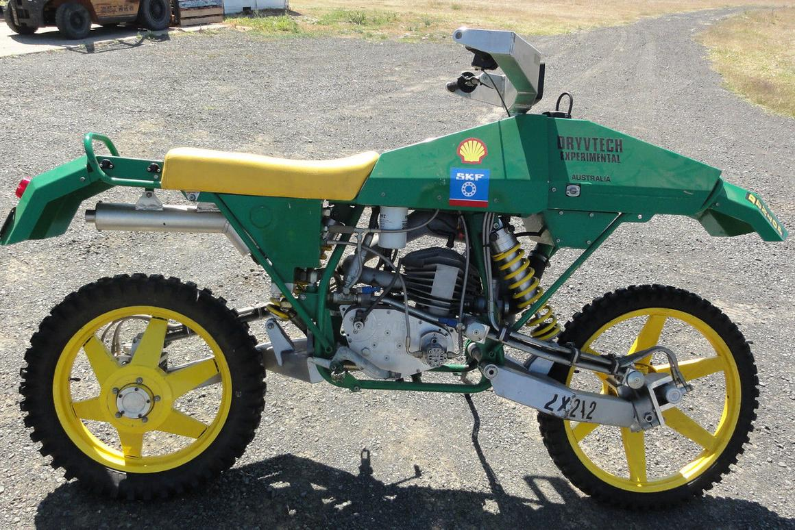 Ian Drysdale's Dryvtech 2x2x2 - an unique experimental motorcycle is up for grabs on eBay