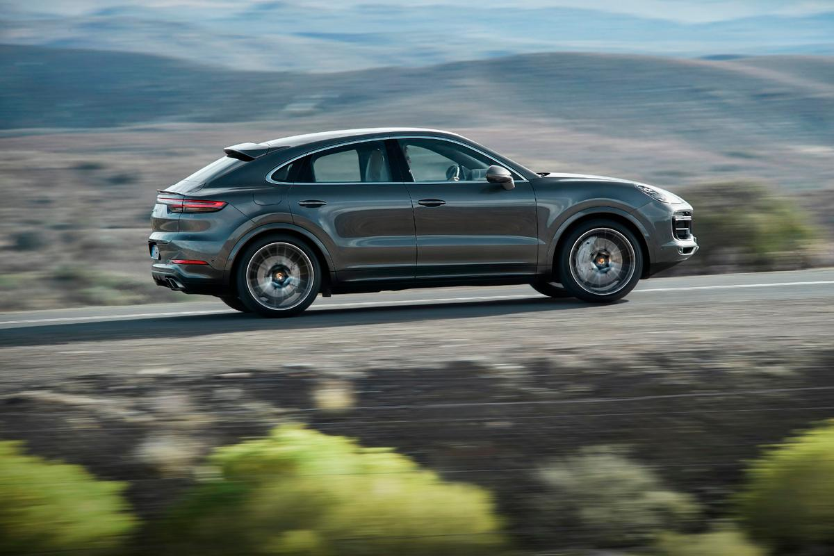 The 2020 Porsche Cayenne Coupe model has a lower roofline, chopped by about 0.78 inches for a faster-paced look