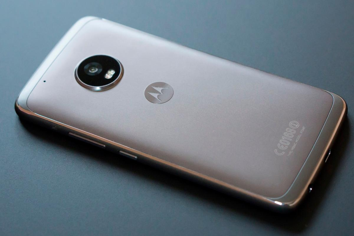 New Atlas reviews the Moto G5 Plus, which again crowns Motorola as champion of the budget-value smartphone