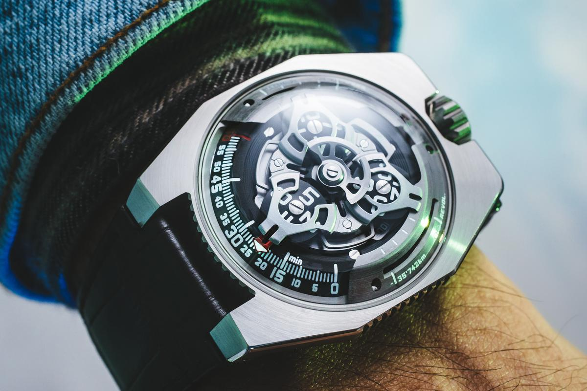 The Urwerk UR-100 SpaceTime measures both time and distance