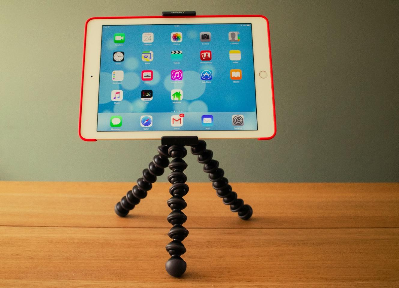 Review: Joby's new tablet tripod mount isn't just for taking