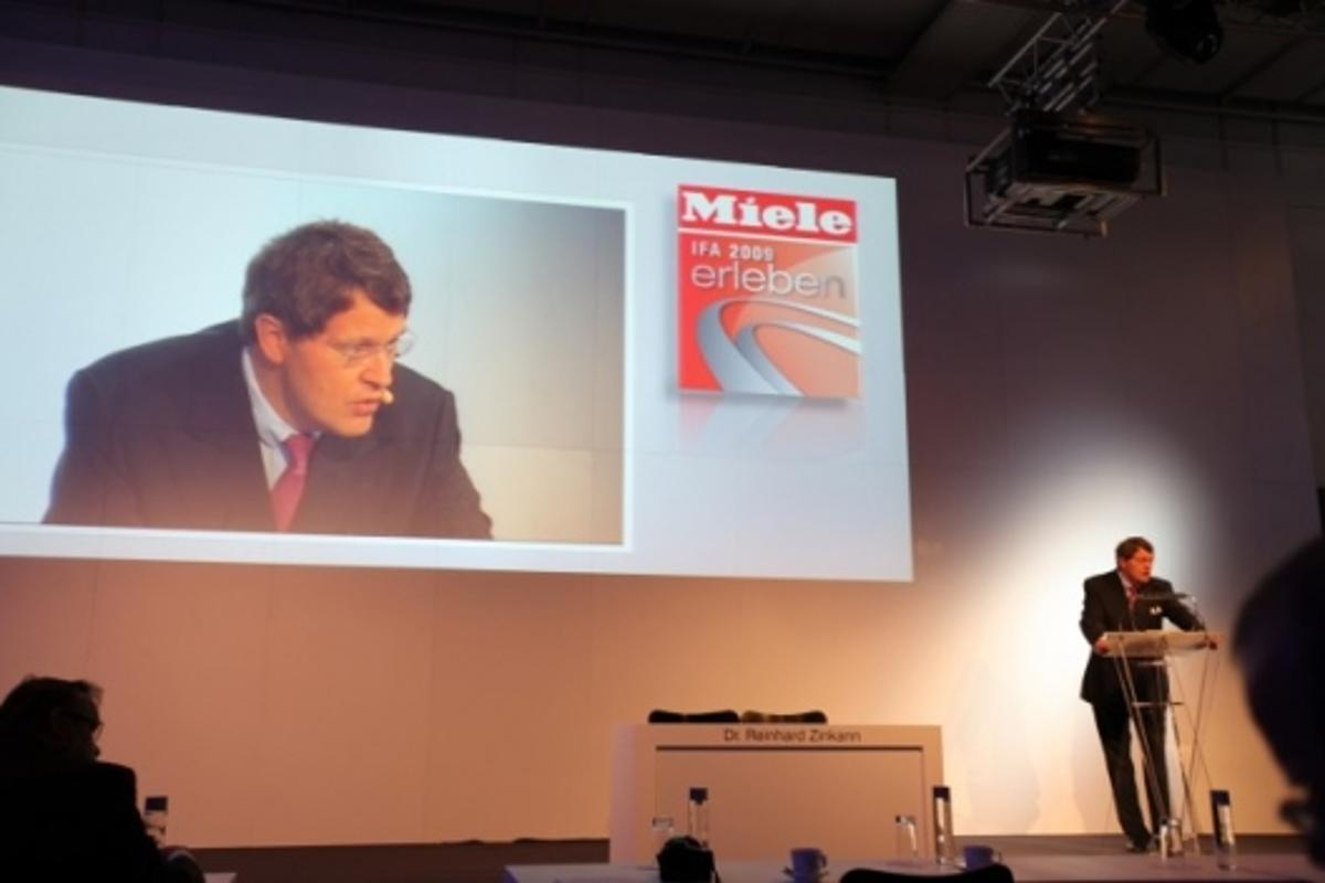 Miele launches hybrid vacuum cleaner at IFA 2009