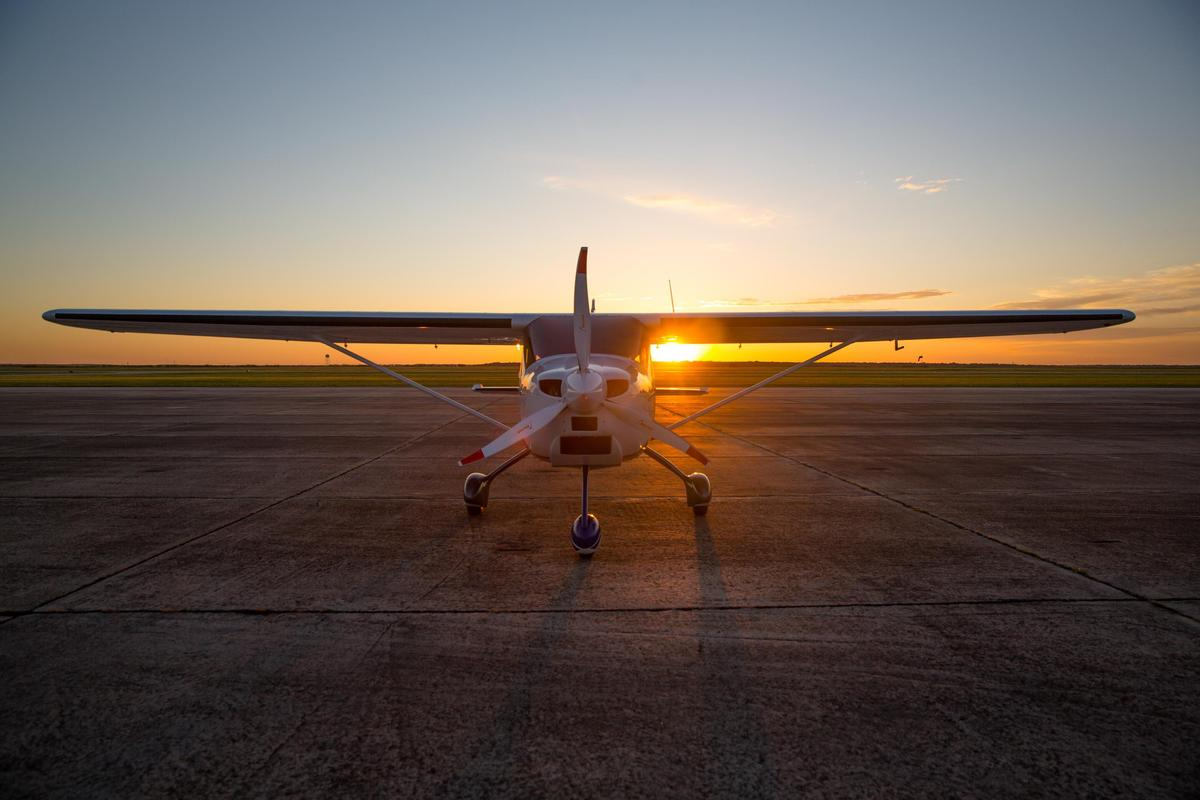 Texas Aircraft's Colt S-LSA will form the basis of a new electric aircraft using next-gen lithium-sulfur batteries with a huge 400-Wh/kg energy density