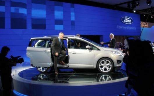 The new Ford C-MAX range focuses on practicality, economy and safety with a range of innovative features