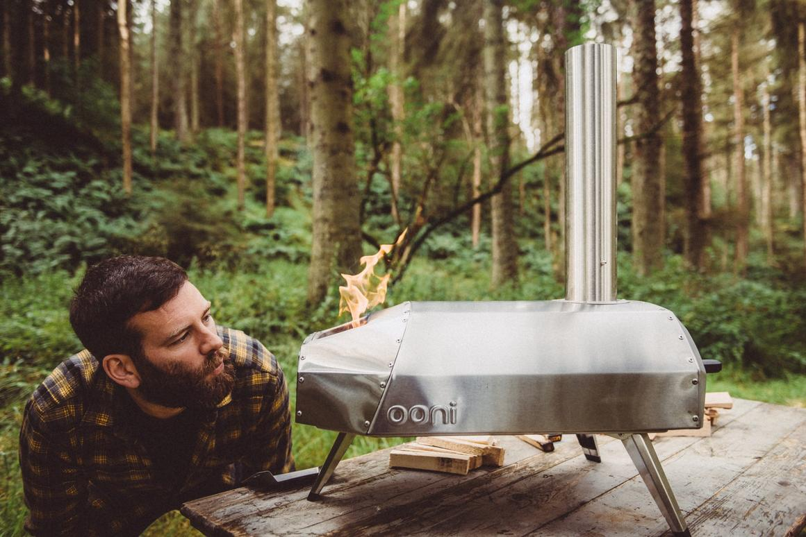 With a total weight of 26 lb (12 kg), the Ooni Karu mightn't be the most manageable of portable pizza ovens, but its portability claims are helped along by a detachable chimney that slots inside the body during transport and folding legs