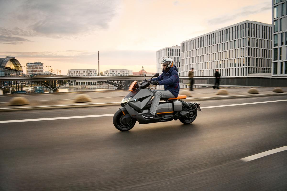 The CE 04 features a liquid-cooled motor for a top speed of 120 km/h, and a 60.6-Ah Li-ion battery for up to 130 km per charge
