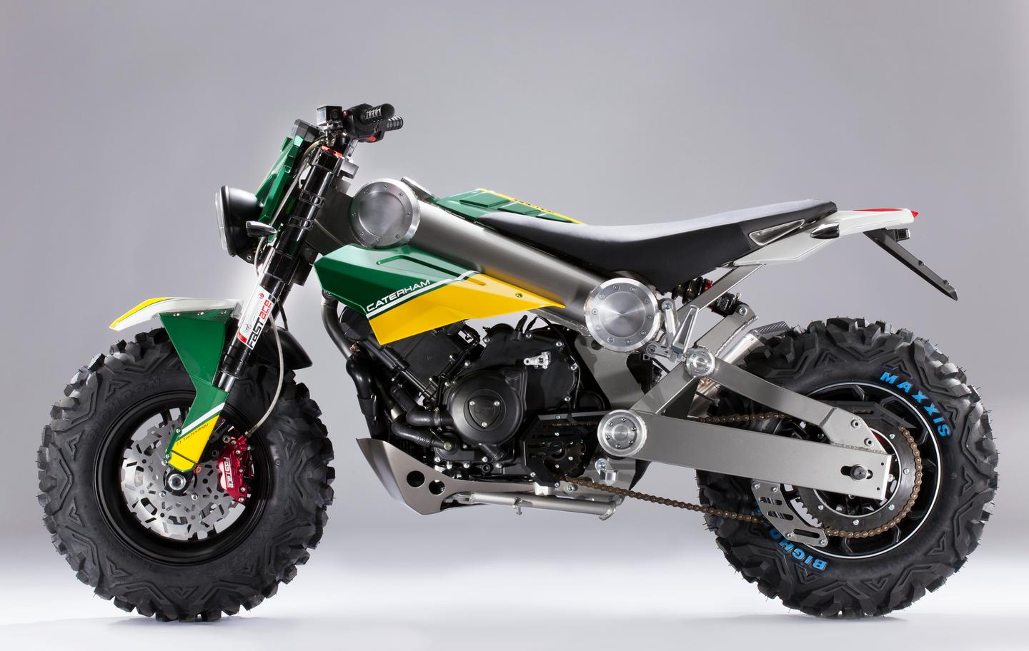 Brutus 750 is powered by a 750 cc single-cylinder engine, with liquid-cooling, DOHC, 4 valves and an automatic CVT transmission