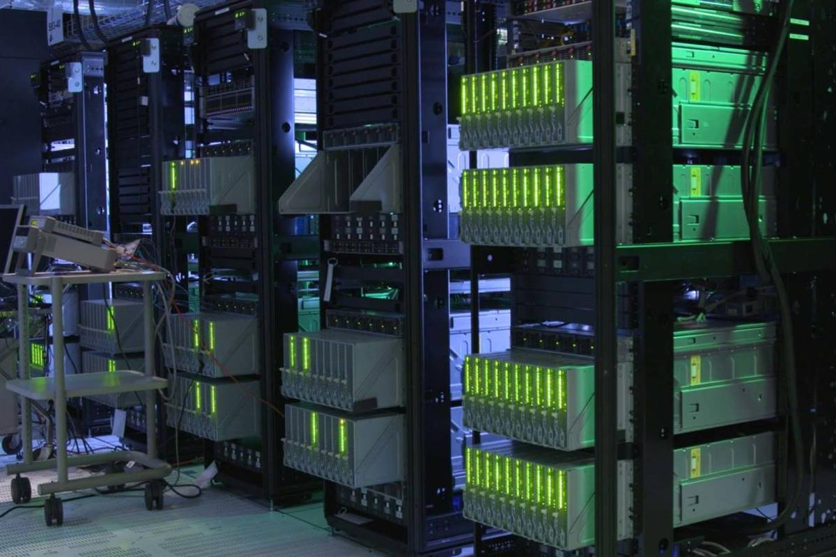 Hewlett Packard Enterprise has unveiled a computer prototype it calls The Machine, which uses a completely new architecture that puts memory at the center of the system