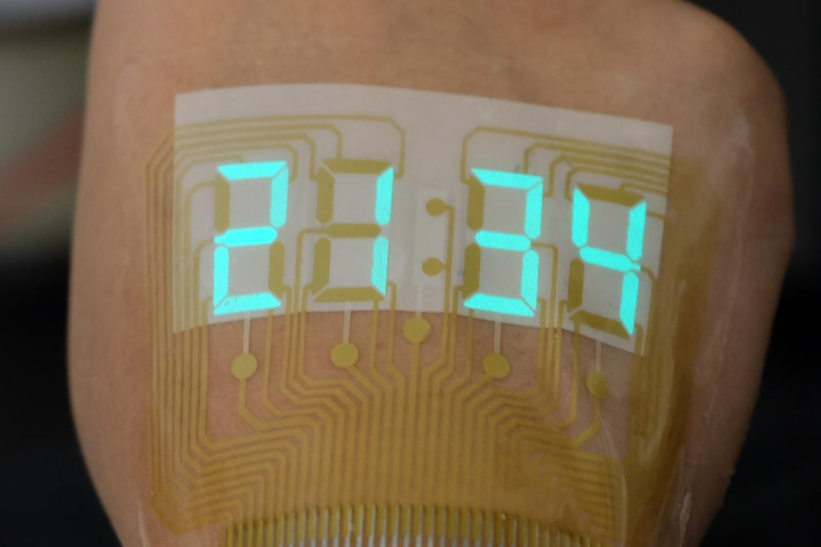 A stretchable light-emitting device becomes an epidermal stopwatch
